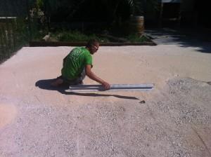 Instalar césped artificial sobre tierra