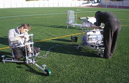 Revisión de instalación de césped artificial deportivo.