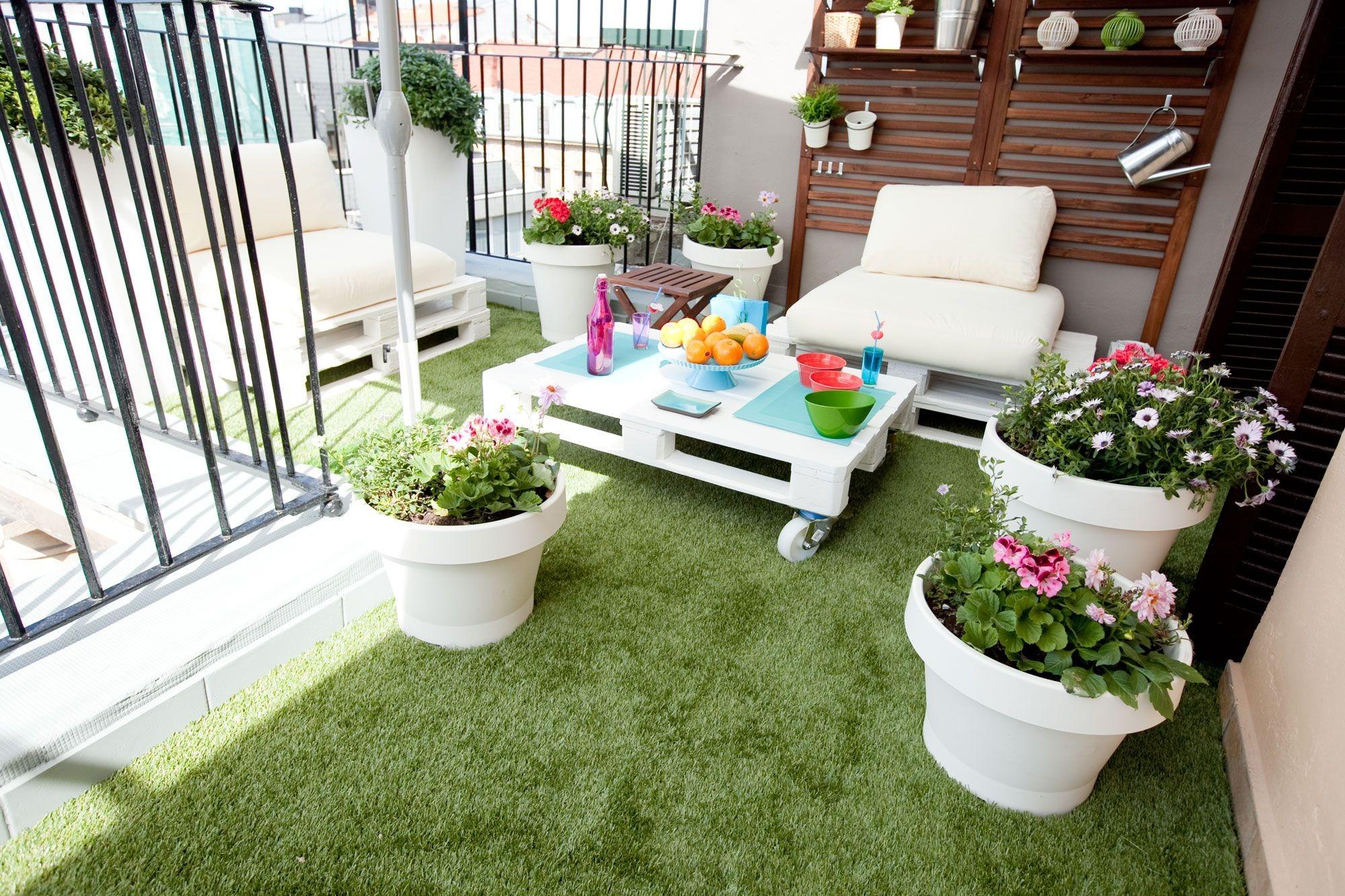 Por qué instalar césped artificial en jardines