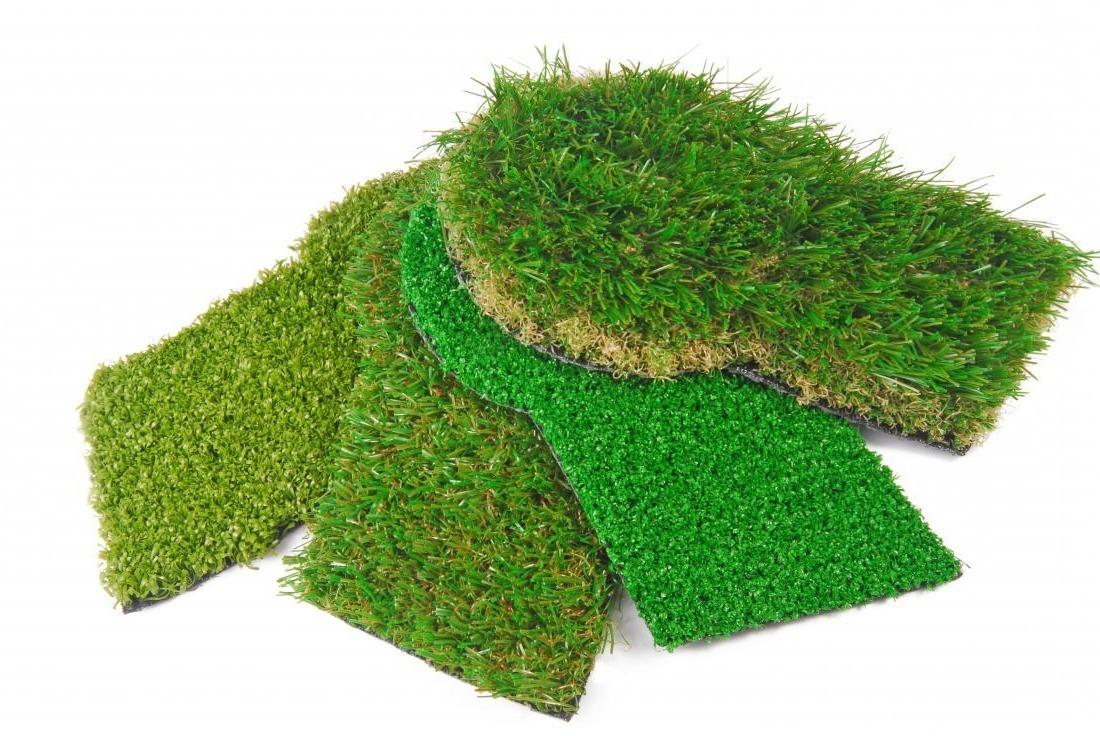 ¿Cómo se hace una alfombra de césped artificial?